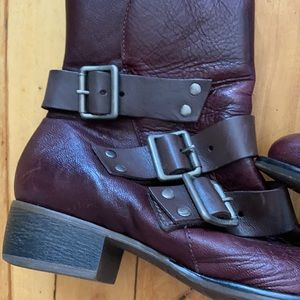 Arezzo genuine leather booties